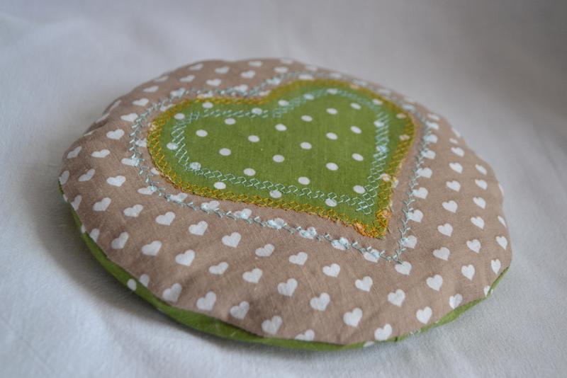 Nahřívací pohankový polštářek zelený